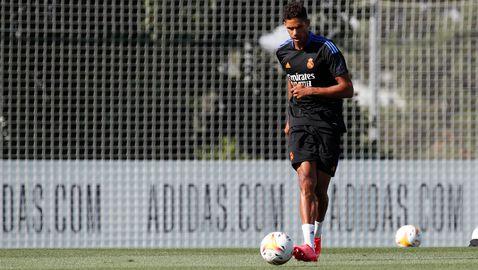 Варан и Бейл подновиха тренировки с Реал въпреки спекулациите около бъдещето си