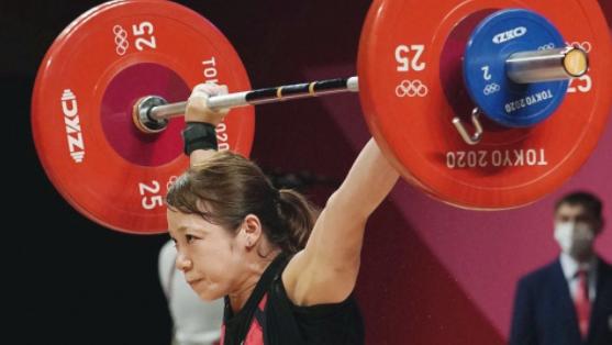 Японска състезателка по вдигане на тежести се оттегли от спорта след провал на Игрите в Токио