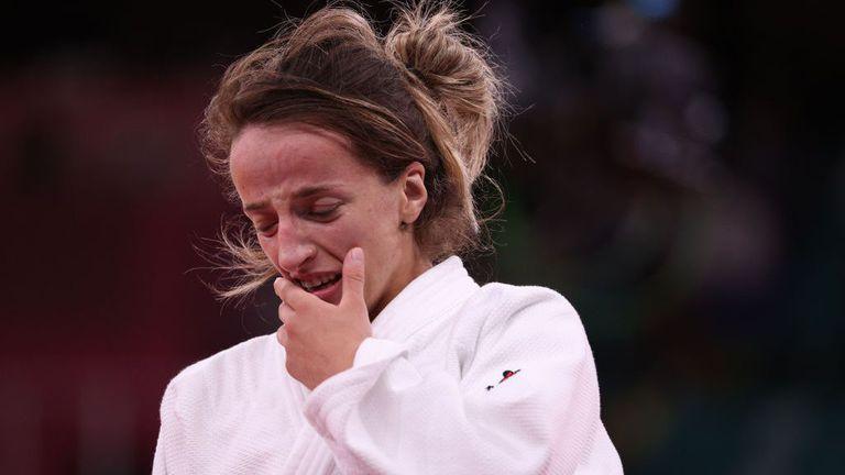 Състезателка от Косово спечели олимпийската титла при 48-килограмовите в джудото