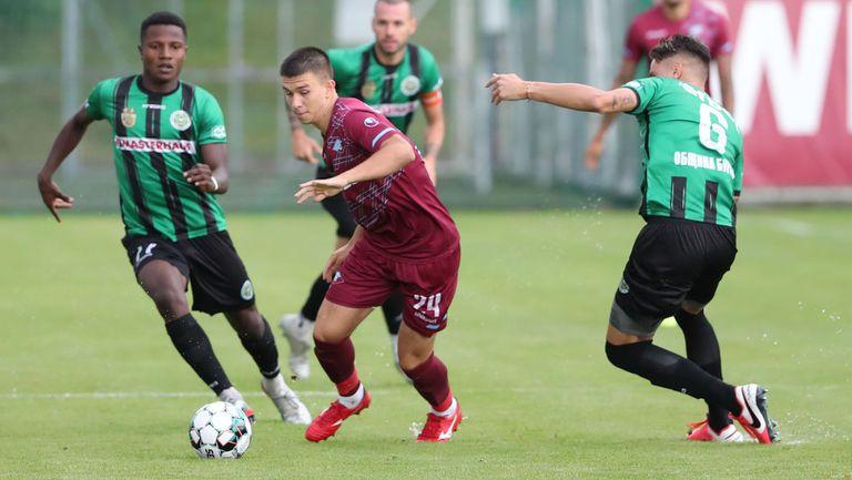 Втора лига започва с дерби Бургас срещу Варна - очаквайте на живо!