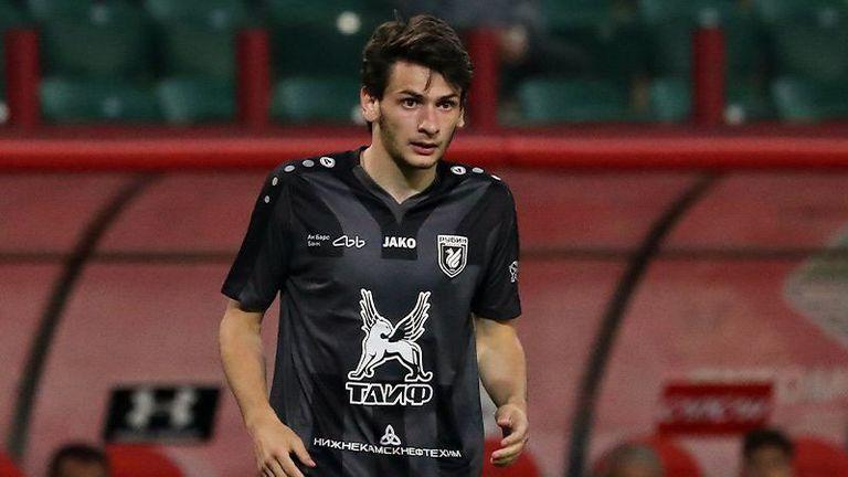 Каладзе помага за трансфер на Милан