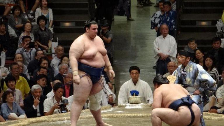Аоияма се поздрави със седма победа в Токио