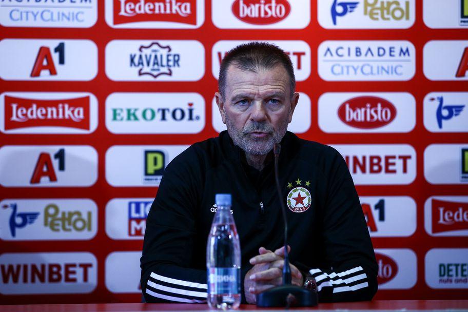 Пресконференция на Стойчо Младенов преди дербито с Левски