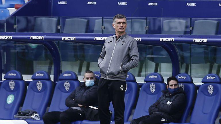Треньорът на Ейбар напусна отбора
