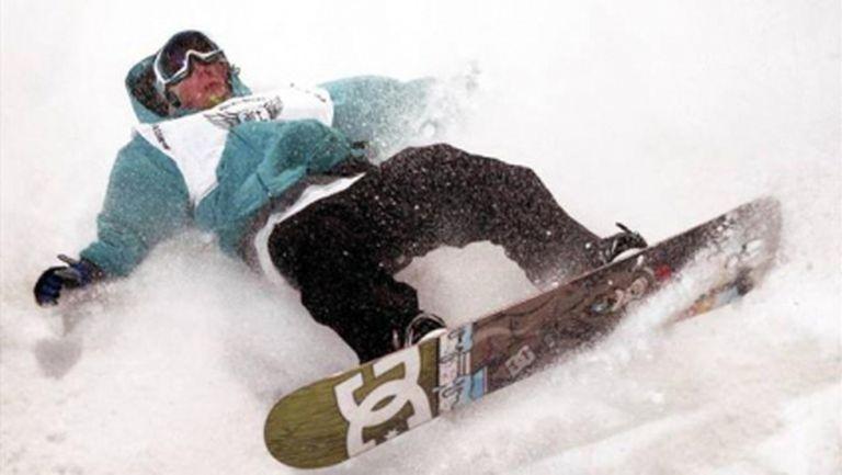 Фаворит в сноуборда си счупи ключицата, аут е от олимпиадата