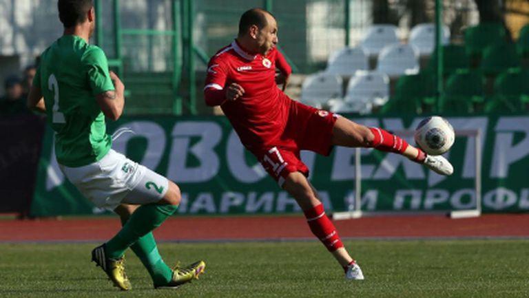 Фамозен Мартин Петров носи успех на ЦСКА пред 4000 зрители в Стара Загора (видео+галерия)