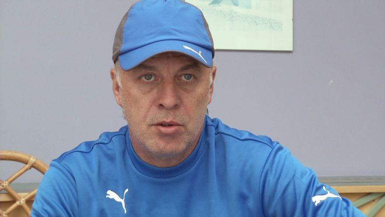 Сираков: Може и след месец да вземем защитник