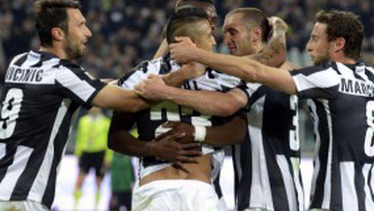 Ювентус преодоля и Милан по пътя към титлата (видео)
