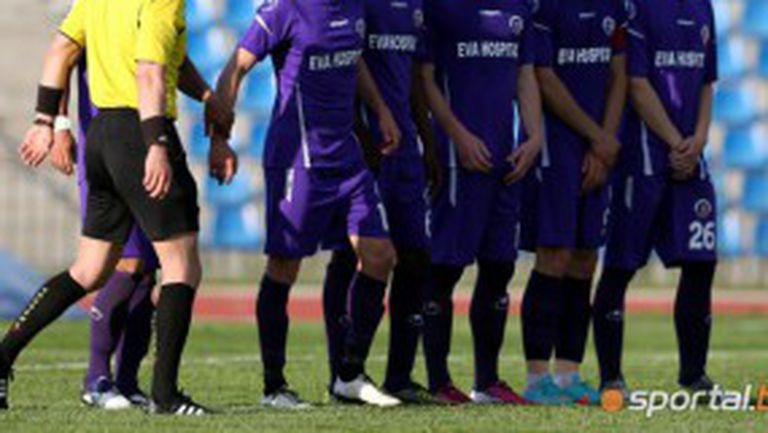 Кмет изкара заплатите на чужденците в Етър - те са баснословни за изпадащ тим