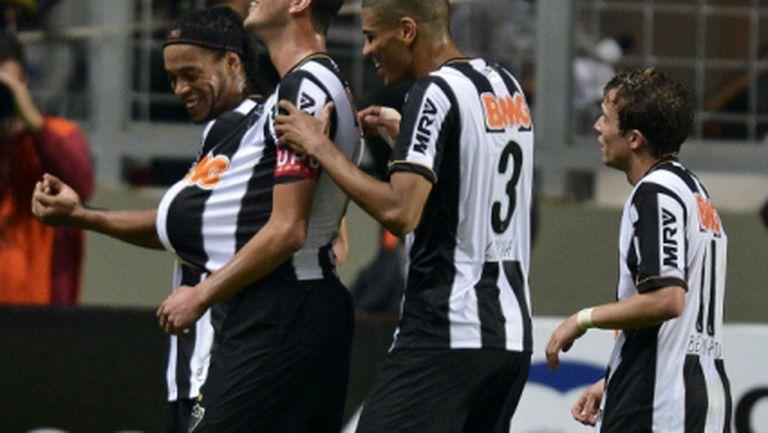 Роналдиньо избухна с два гола в Бразилия (видео)