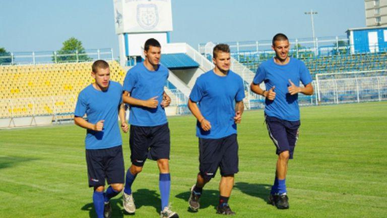 11 футболисти на първата тренировка на Черноморец
