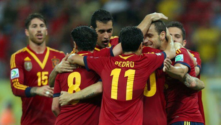 Испания се разправи с Уругвай на старта (видео)