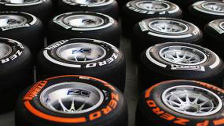 """Пирели отново вадят прототипни гуми, този път на """"Силвърстоун"""""""