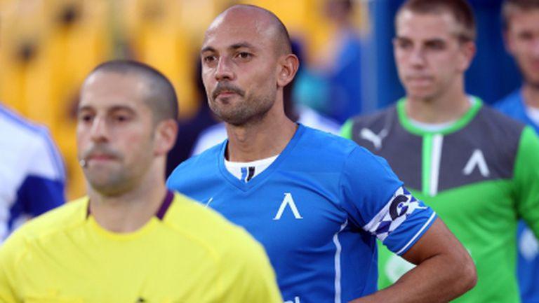 Сменят половината защита на Левски за мача в Казахстан