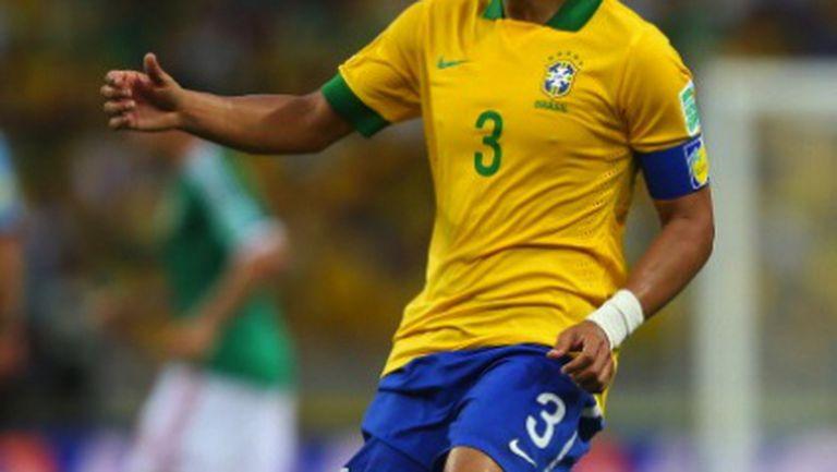 Адриано: Тиаго Силва иска да дойде в Барселона