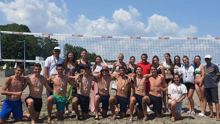 Варна и София с триумф в турнира по плажен волейбол за юноши и девойки U20