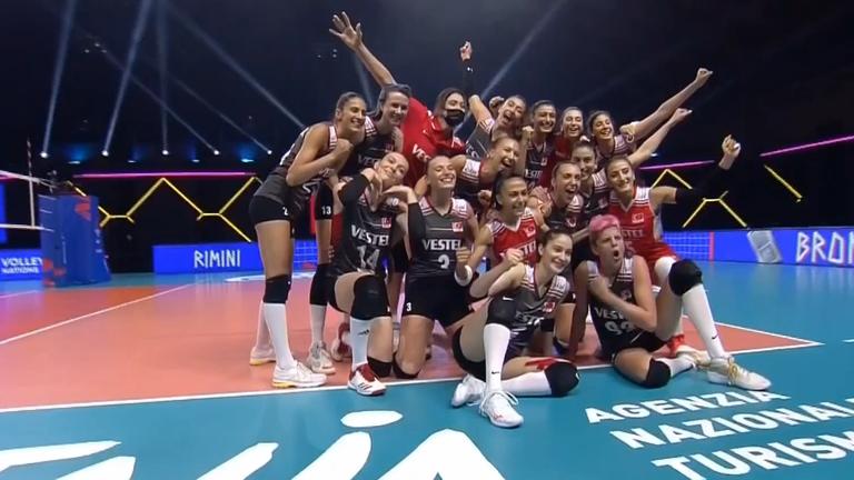 Женският волейболен отбор на Турция спечели третото място на Лигата на нациите
