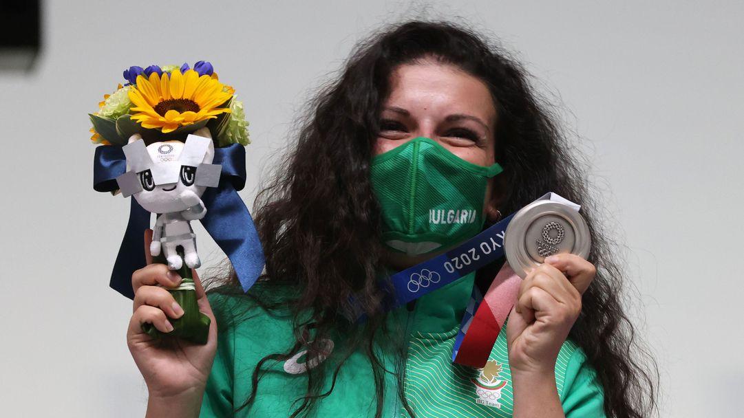 Първи медал за България на Олимпиадата в Токио! Сребро за Антоанета Костадинова в стрелбата 🥈
