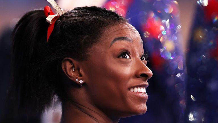 Симон Байлс запази шансове да спечели шест златни медала от Игрите в Токио