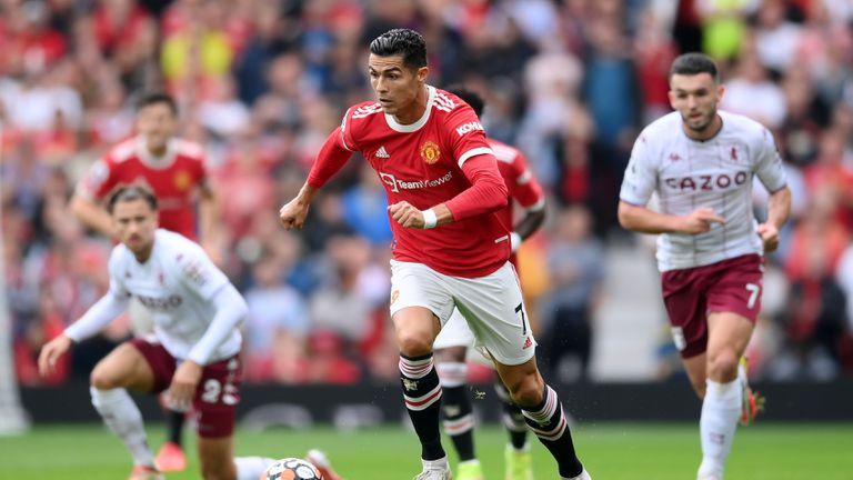 Манчестър Юнайтед 0:1 Астън Вила, гостите поведоха в края на срещата