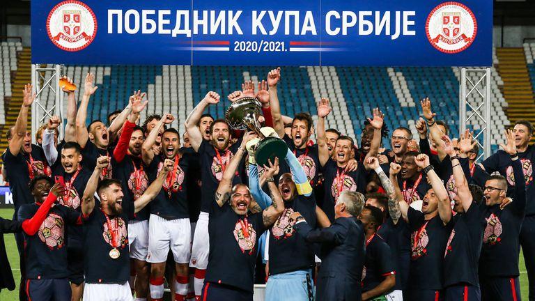 Цървена звезда спечели Купата на Сърбия след дузпи срещу вечния съперник Партизан