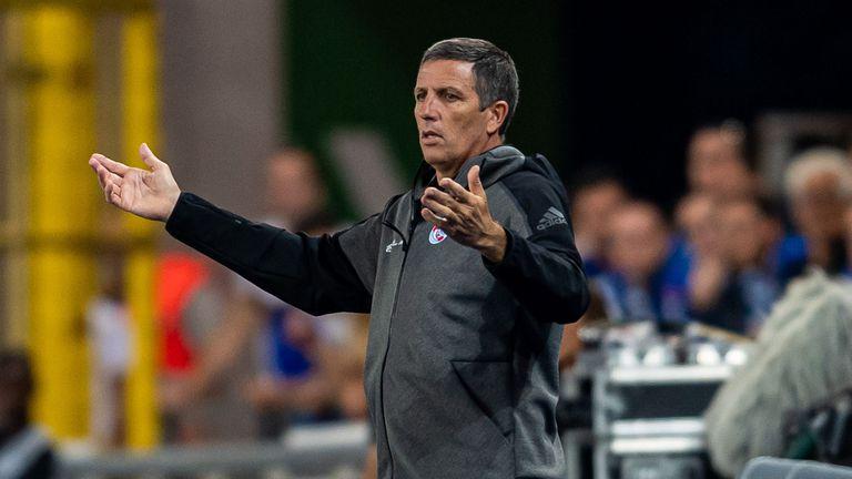 Страсбург се разделя с треньора си