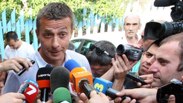 Новият треньор на Левски има 3 деца и живее в Мадрид
