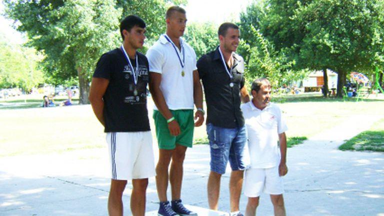 """Два сребърни медала за Борис Недялков и две титли от Балканиадата по лека атлетика за Спортните таланти на """"Еврофутбол"""""""