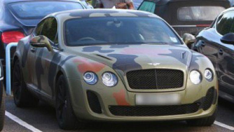 Балотели подари кола за 250 хиляди долара на съотборник