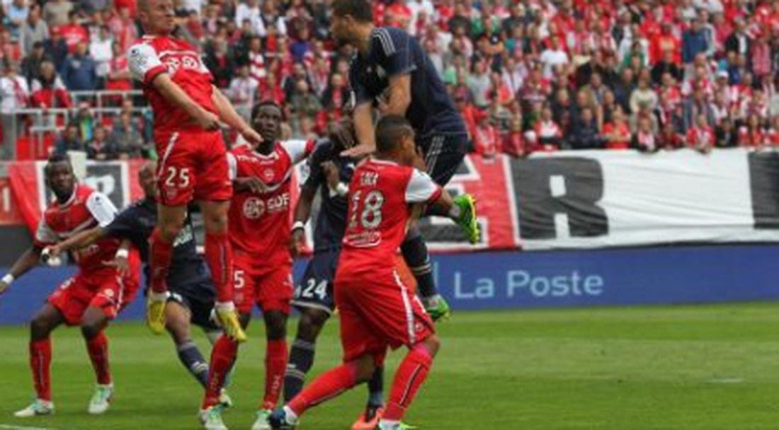 Марсилия продължава без грешка