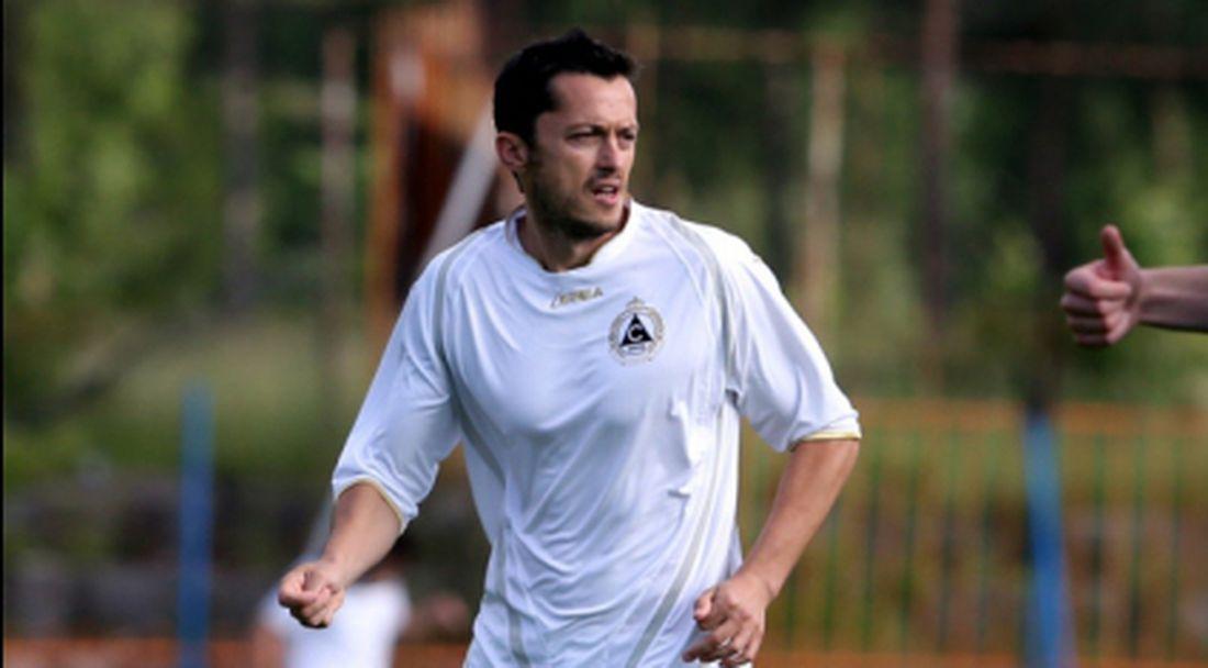 Христо Янев може да пропусне дербито с Левски