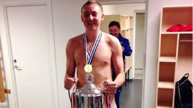Скандалният Алексей Спиридонов лъсна само по.... трофей!