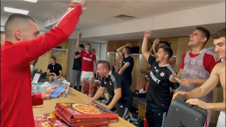Ето как играчите на ЦСКА - София отпразнуваха победата срещу Левски