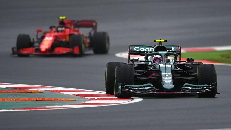 Фетел продължава да води в класирането по изпреварвания във Формула 1