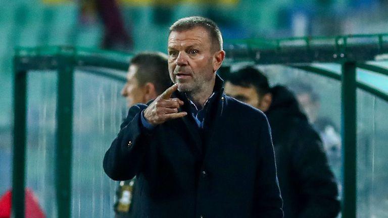 Стойчо Младенов ще налага нова двойка в центъра на защитата