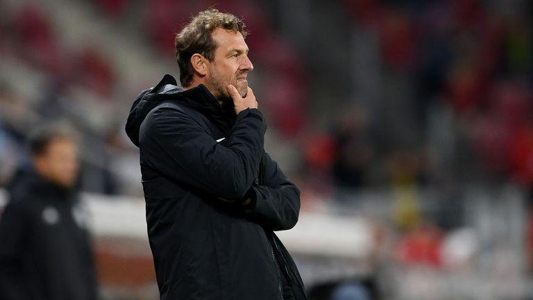 Треньорът на Аугсбург: Не можем да чакаме вечно, докато направим добър мач