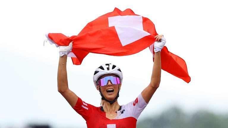 Пълен триумф за Швейцария и титла за Йоланда Неф в планинското колоездене