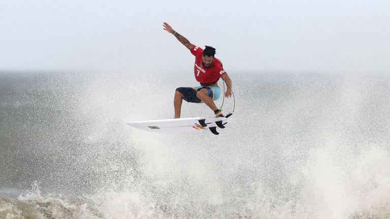 Бразилец спечели първата титла в сърфинга