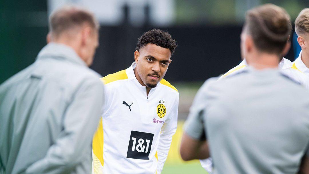 Нападател започна тренировки с Дортмунд, трансферът му обаче все още не е обявен