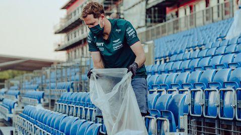 """Шумахер: Фетел трябва да събира точки, а не боклуците от """"Силвърстоун"""""""