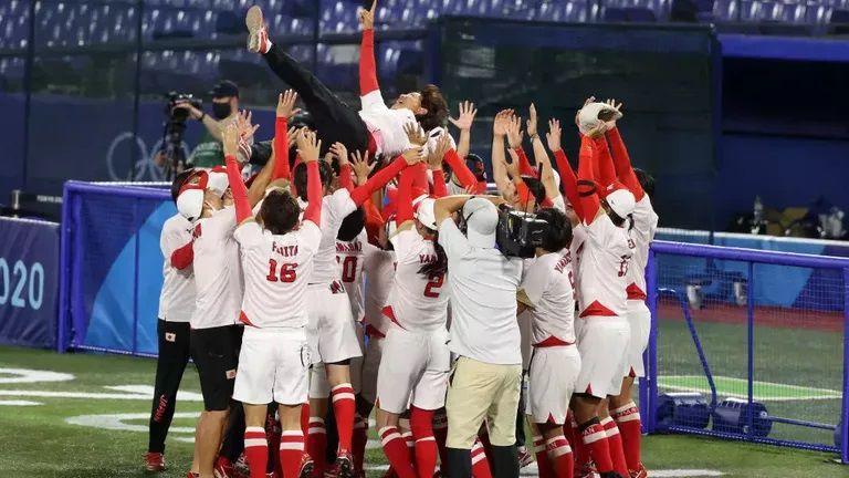 Япония отново е олимпийски шампион в софтбола при жените