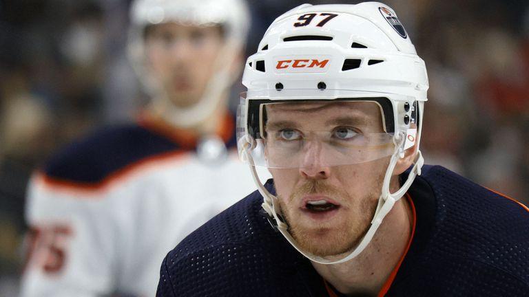 Нападателят на Едмънтън Конър МакДейвид е най-скъпоплатеният в НХЛ