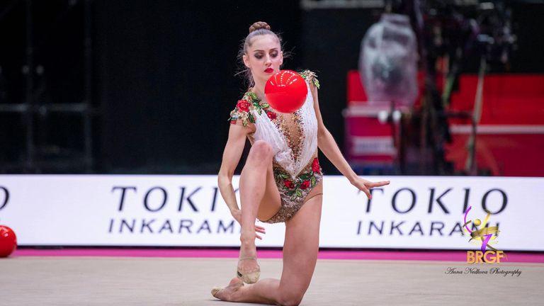 Отлично начало и три финала за България след първите два уреда на Световното