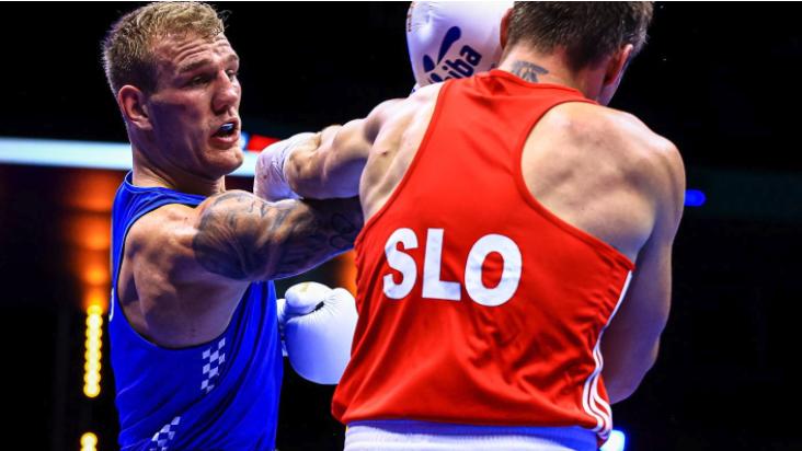 Зрелищни нокаути на Световното по бокс