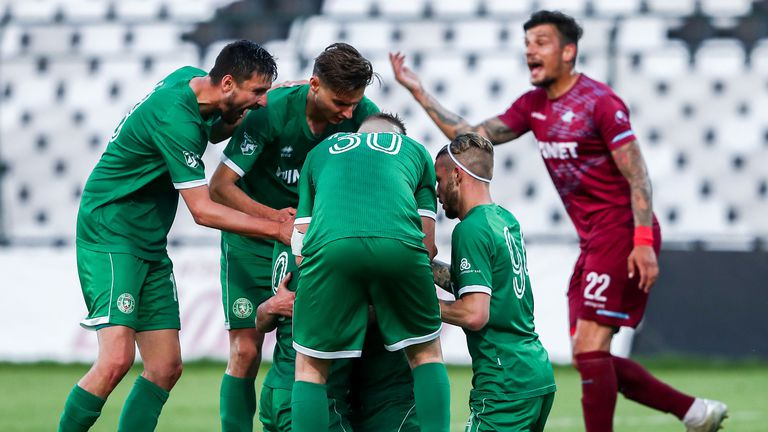 От Ботев (Враца) призоваха феновете да не играят на тренировъчния терен