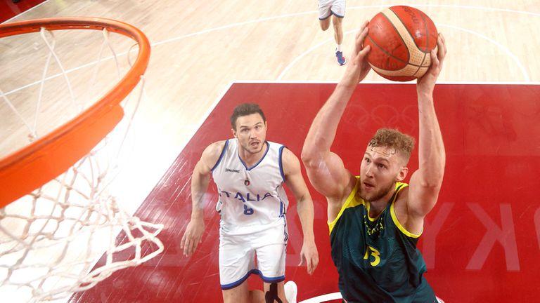 Австралия надделя над Италия с 86:83