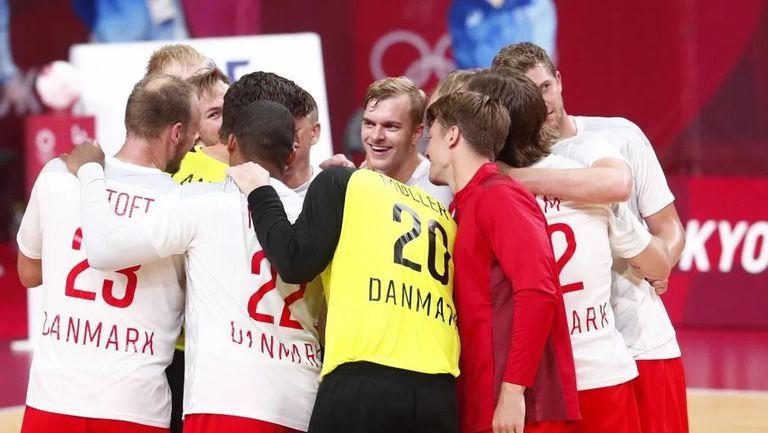Франция, Испания, Дания и Швеция продължават без загуба на хандбалния турнир в Токио🤾♂️