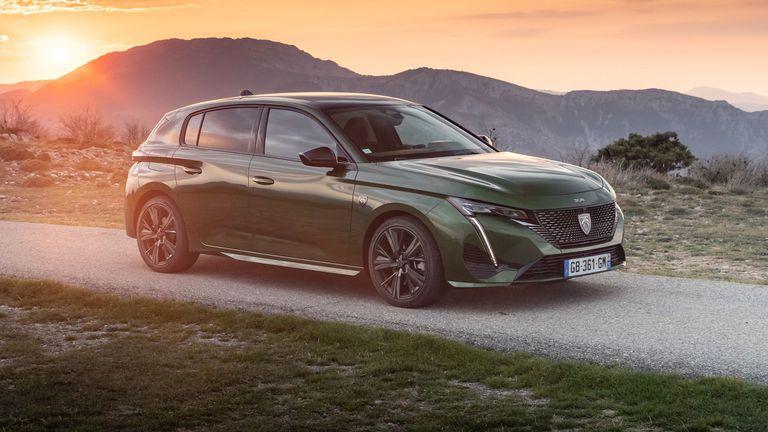 Новият 308 ще отбележи 211-тата годишнина на Peugeot