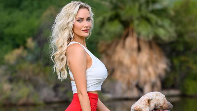 Секси голфърка остави феновете си без дъх
