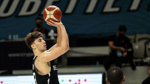 Изгряващата звезда на турския баскетбол изригна с 360-градусова забивка (видео)